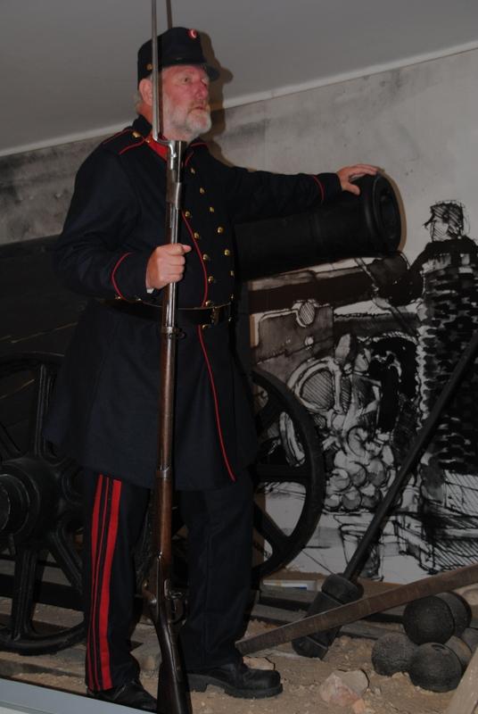 Herr Nis Hardt in Uniform