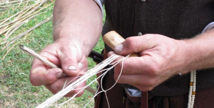 Fischernetze knüpfen
