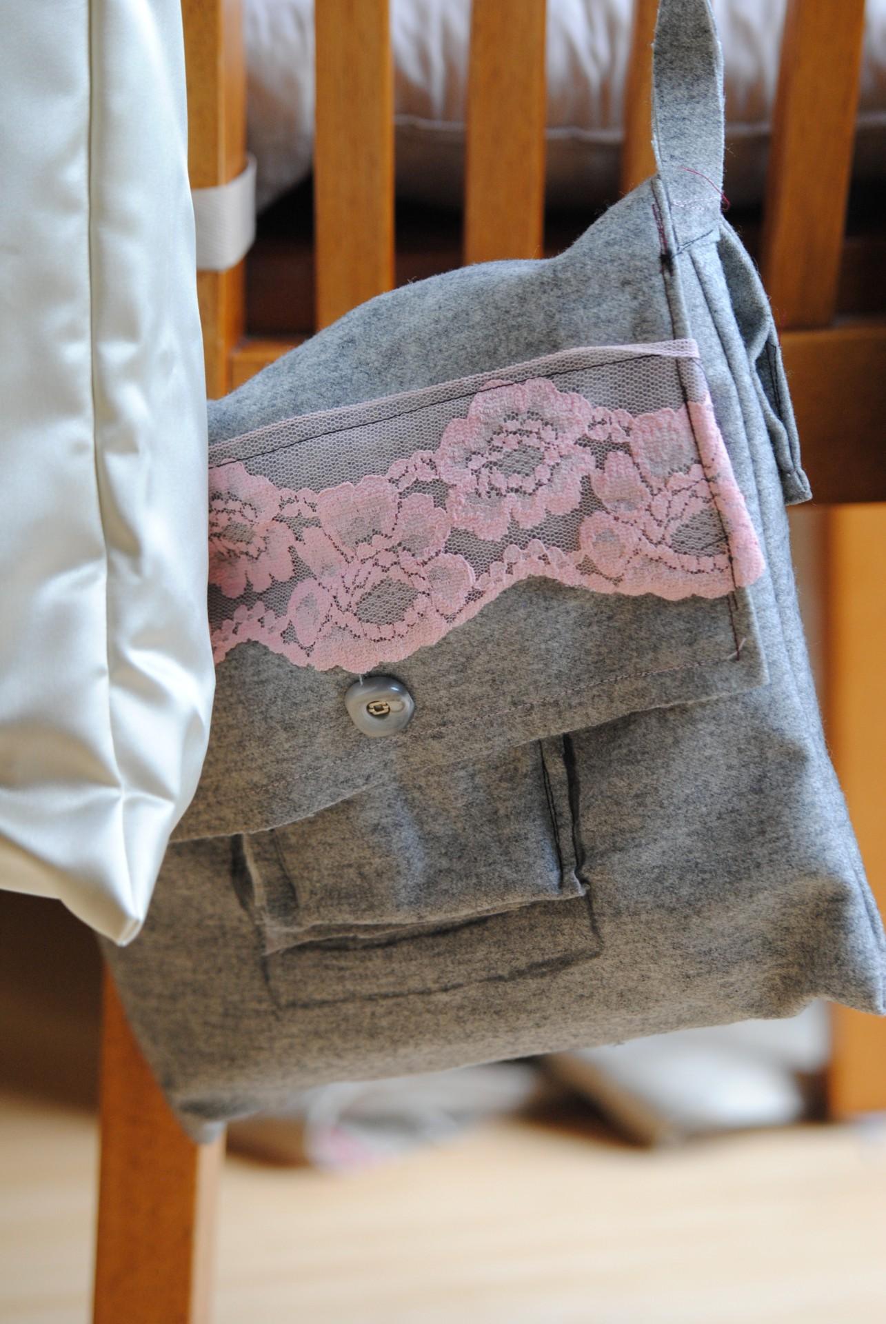 Tasche aus grauem Wollstoff