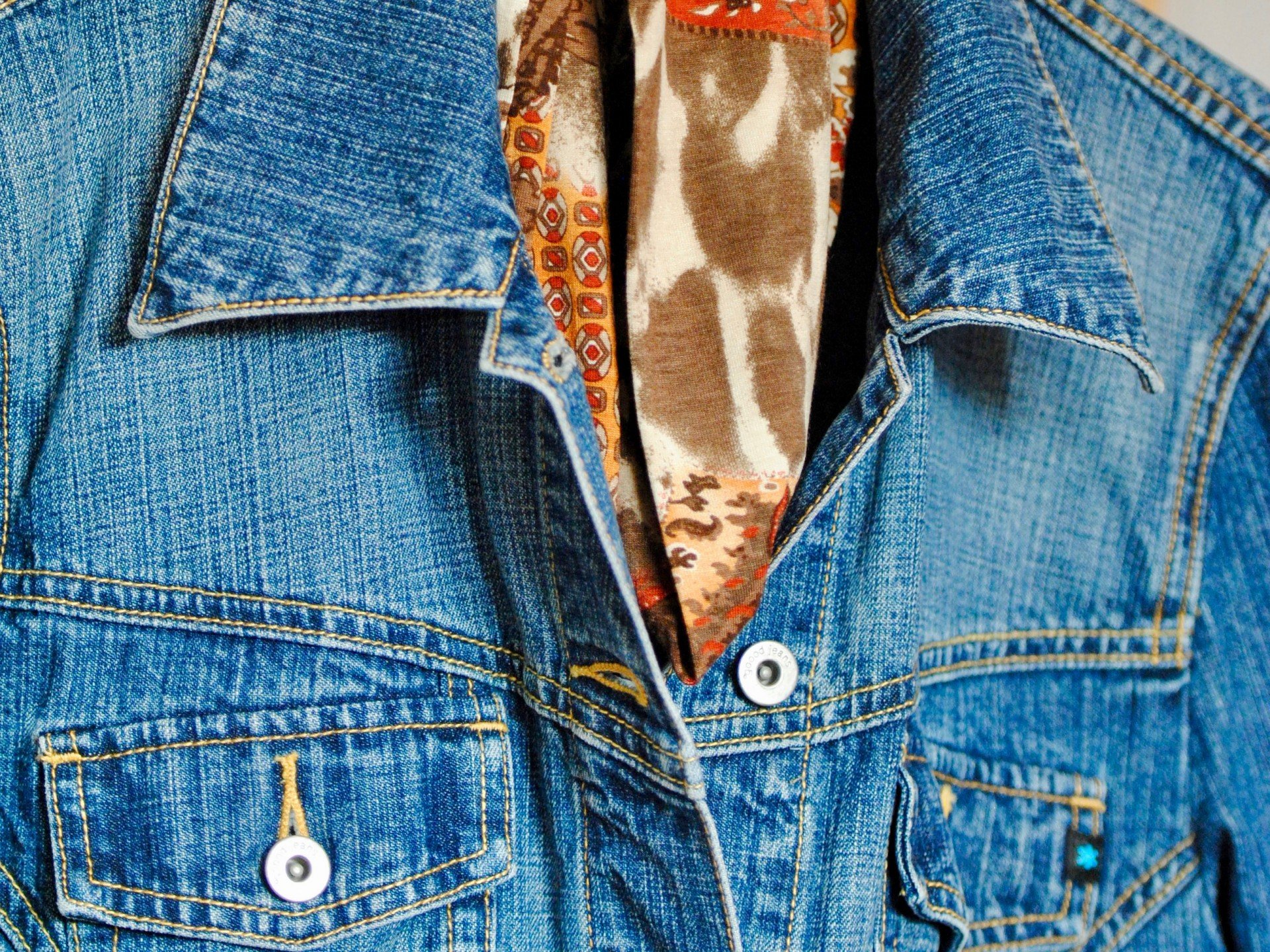 Jeans gehört zu den Produkten, die in der Herstellung gefährlich für die Arbeiter sind.