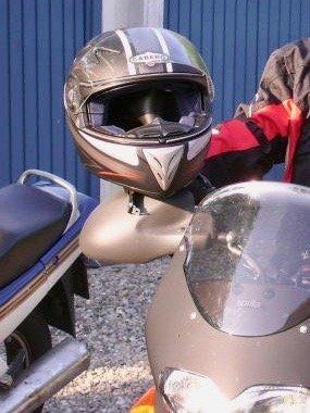 Motorradhelm, möglicherweise mit Kevlar verarbeitet