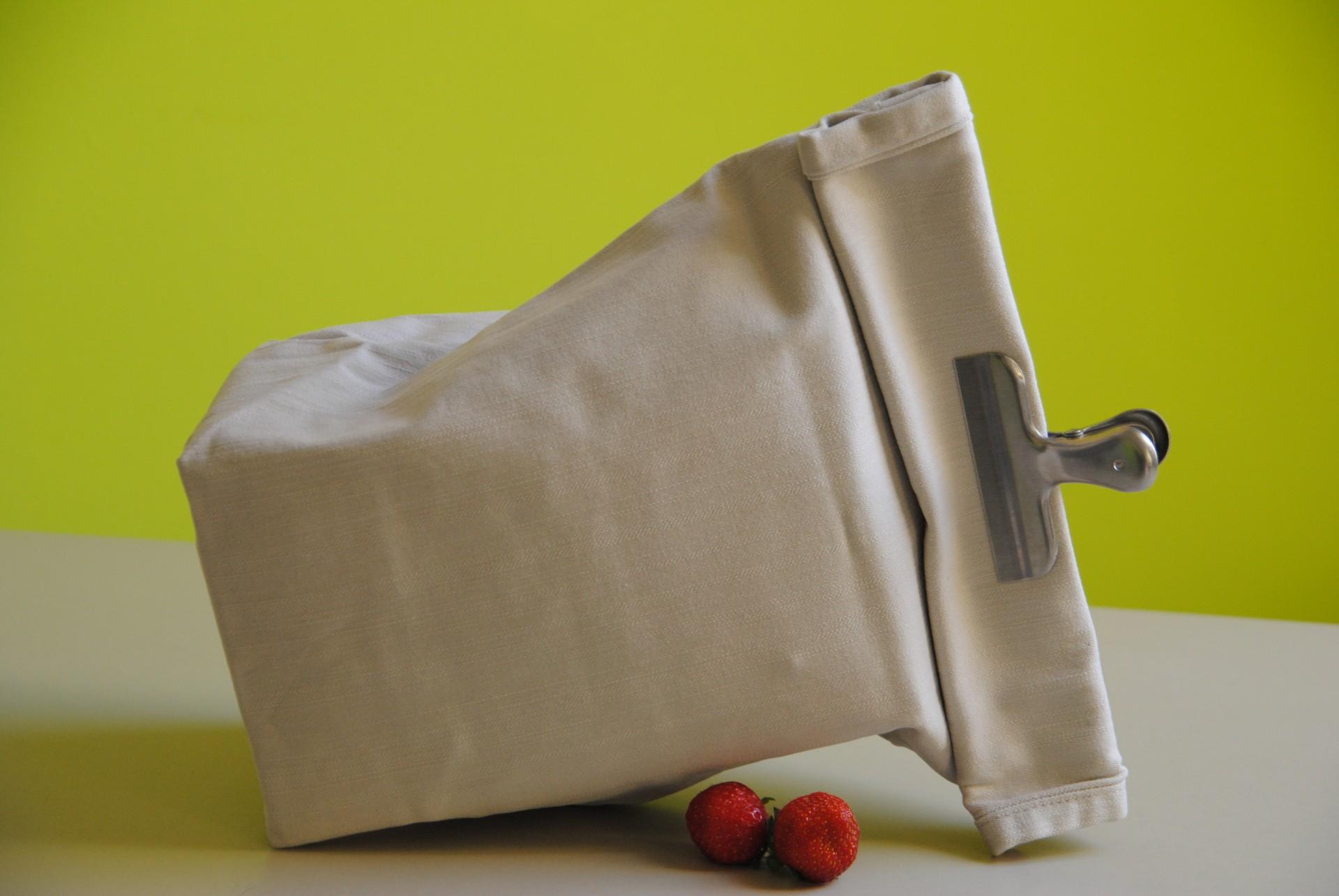 Die Mahlzeit zum Mitnehmen passt prima in die Lunch-Tüte aus dem Jeanshosen-Bein .