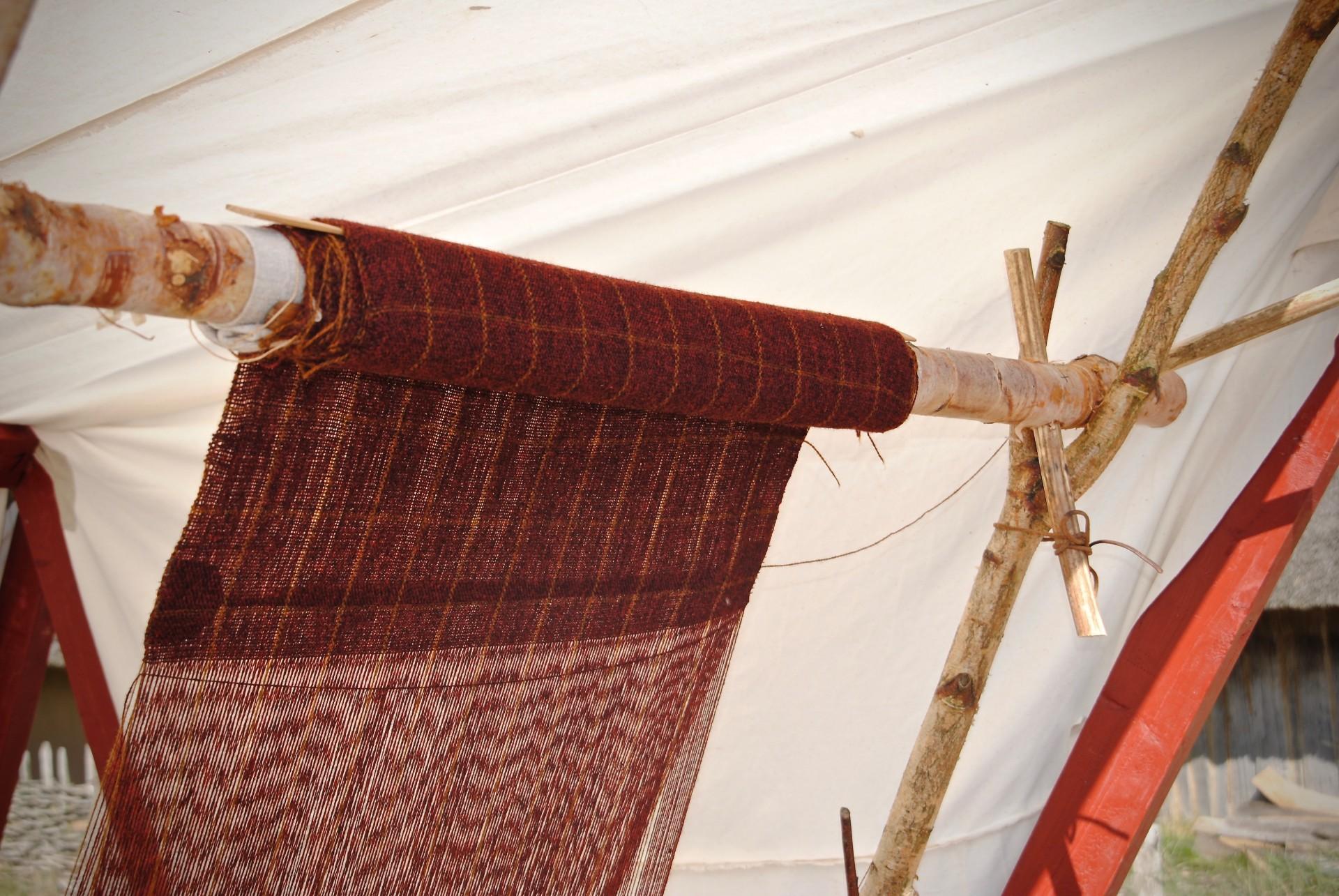 Hochwebstuhl aus Schweden, Markt in Haithabu